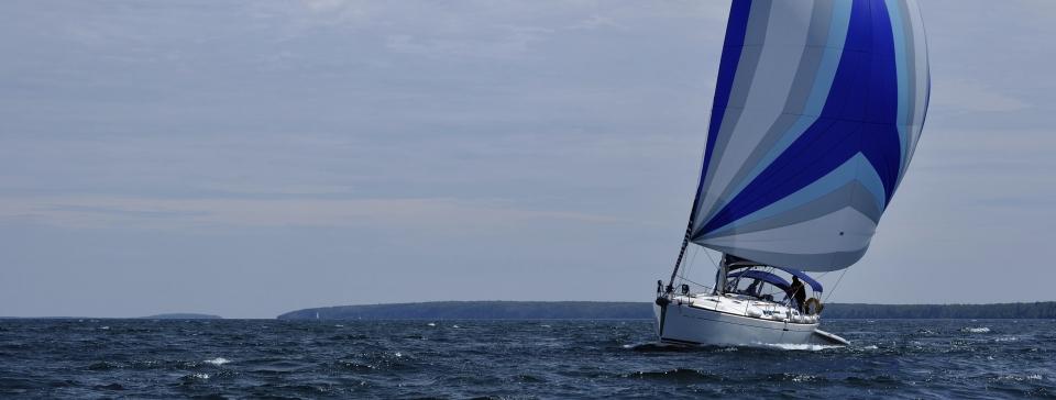 yacht-960x364